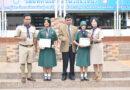 ผู้อำนวยการโรงเรียนวัชรวิทยา  แสดงความยินดีกับ เด็กหญิงกานต์พิชชา รามบุตรที่ได้รับรางวัลการแข่งขันว่ายน้ำ และเด็กหญิงเบ็ญญ์ญาณ์พัช  คุ้มสุวรรณ์ ที่ได้รับรางวัลการแข่งขันเทควันโด